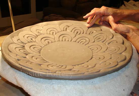 using clay coil to make a decorative bowl