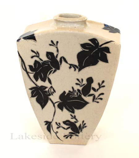 Frogs sgraffito vase