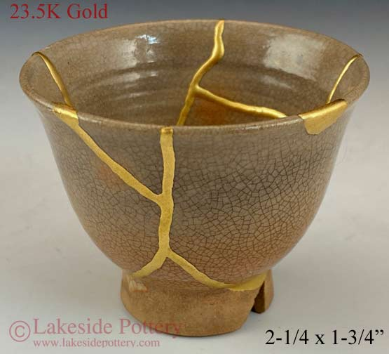 Crackled Japanese sake cup gold Kintsugi