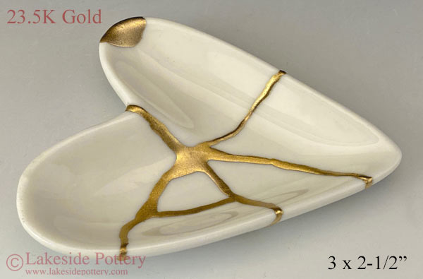 Kintsugi Heart shaped ring dish 23.5 karat gold