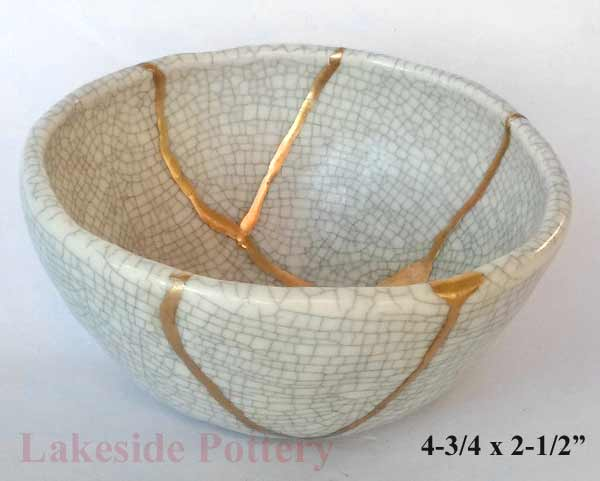 Hand made crackle white kintsugi bowl